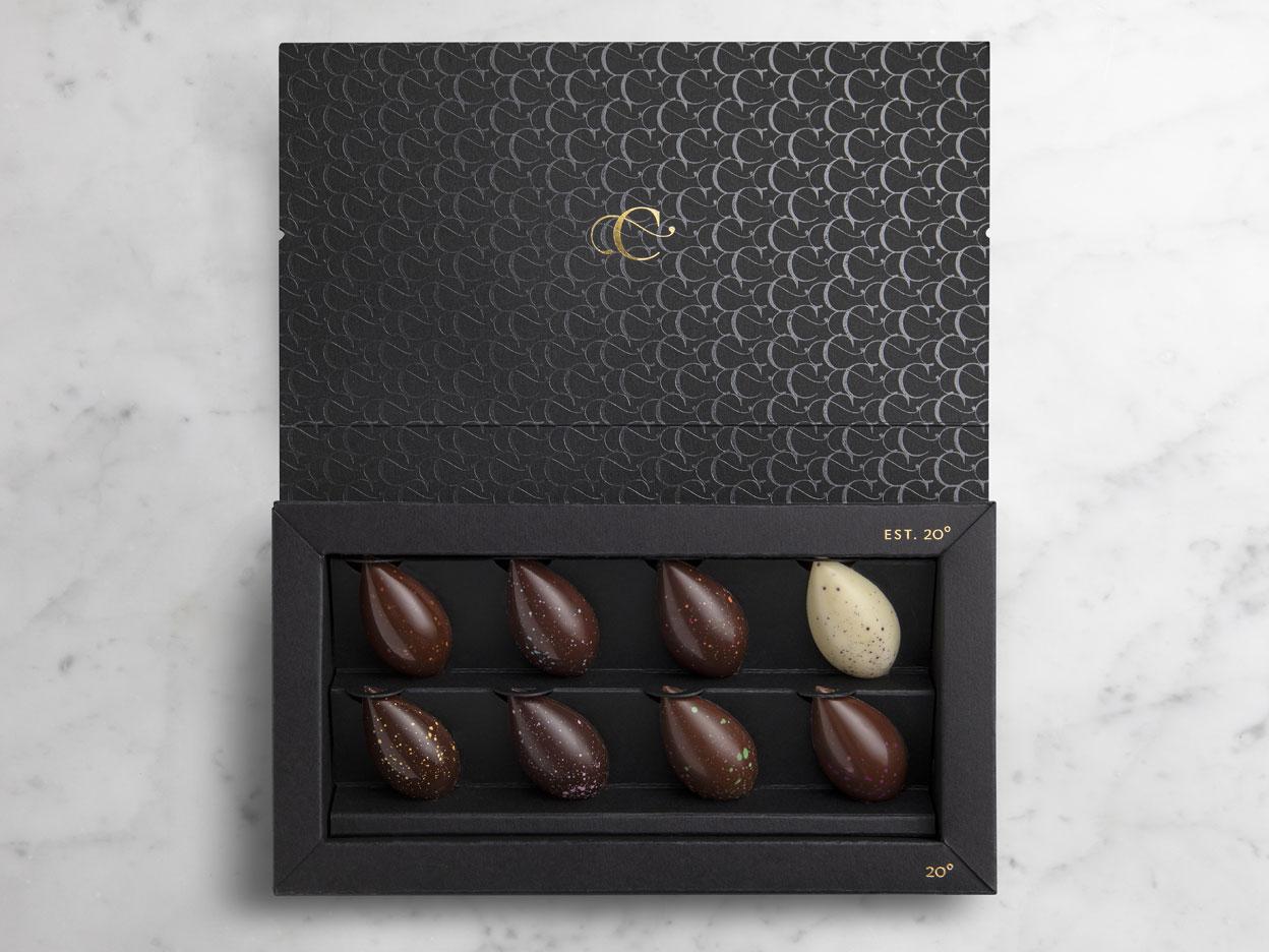 Cartografie Chocolates Packaging black box Inside full